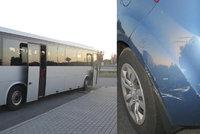 Řidič autobusu s dětmi měl v krvi přes 3 promile! Na dálnici havaroval