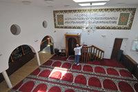 Pražští muslimové přišli o modlitebnu. Kvůli dluhu za plyn ji vydražil exekutor