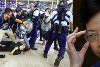 """""""Kdy už umřete?"""" Smršť dotazů dohnala správkyni Hongkongu na pokraj slz"""