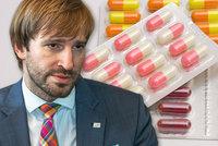 Invalidním důchodcům klesne limit pro doplatky na léky na 500 korun