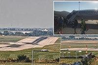 Zkušený pilot Smartwings nefunkční motor zamlčel?! Zahraniční dispečeři o problému netušili