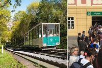 Na kopec zase po svých: Lanovka na Petřín cestující tři týdny nevyveze