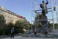 Osud sochy maršála Koněva: Praha 6 ji chce přesunout, opozice navrhuje referendum