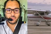 Pilot ve výcviku na svém první hodině musel sám přistát s letadlem, instruktor v kokpitu zkolaboval