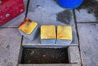 Zavaďte o ně pohledem! Kameny zmizelých připomínají v Plzni oběti nacistických zvěrstev