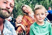Syn mu zemřel během konferenčního hovoru! Táta workoholik zveřejnil drsnou zpověď