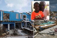 Muka táty na Bahamách. Adriana (5) schoval před žraloky na střechu. Odnesl ho hurikán
