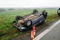 Mladý řidič (20) havaroval na Zlínsku s autem plným lidí: Zahynul při tom chlapec