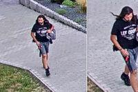Střelec na dětském hřišti v Kladně trefil tři chlapce: Police hledá tohoto muže!