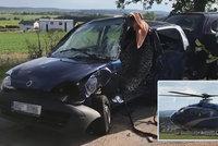 U Dobříše se srazila dvě auta: Na místo letěl záchranářský vrtulník!