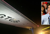 Do premiérova letadla naboural autobus plný novinářů, neprojel pod křídlem