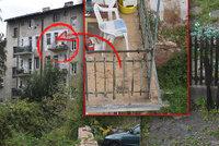 Syn (17) shodil otce (†67) z balkonu přímo na plot: Svědkyně popsala, co se přesně stalo