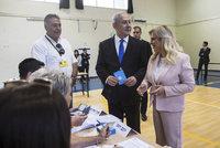Předčasné volby v Izraeli skončily patem. Netanjahu a exšéf vojáků hledají podporu pro většinu