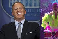 """Mluvčí prezidenta řádí ve """"StarDance"""". Rozvlnil se na kultovní hit Spice Girls"""