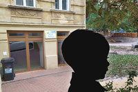 Učitelky ztratily chlapečka (2): Hodiny jim nechyběl! Plakal na policii, nikdo ho nehledal