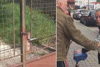Nemohoucí muž žil mezi potkany v chátrajícím domku bez vody a jídla: Jeho družku soud poslal za mříže!