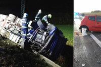 Na Svitavsku zemřel při nehodě řidič: Nepřežil čelní srážku s kamionem!