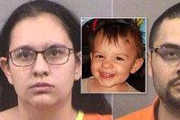 Chlapec (†2) nechtěl sníst hot dog: Máma s přítelem ho ubila k smrti!