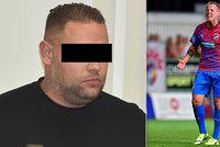 Obchodník s auty měl vylákat z fotbalisty Limberského miliony: Splácel mi tak hazard