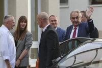 Velká zpráva o Zemanově zdraví: Prezident za dva roky zhubl 20 kilo a špatně chodí