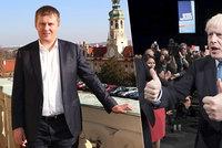 Úprk Čechů kvůli brexitu? Napjatě čekají, co bude, máme i krizové linky, hlásí Petříček