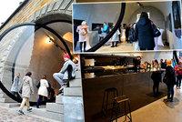 Akvárko jako galerie či bar: Pražané žasnou nad kobkami na Rašínově nábřeží