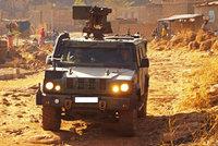 Čeští vojáci najeli v Mali na výbušninu: Stáli při nich všichni svatí!