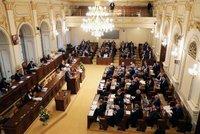 """Sněmovní bitva o zvyšování daní a """"rodičák"""" 300 tisíc: Poslance čeká hlasování"""