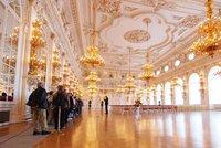 Slavnostní Španělský sál se na několik měsíců uzavře. Kvůli azbestu vymění podlahy