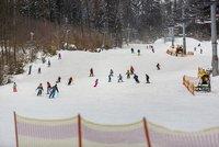 Vlekaři zoufají. Teplo poničilo sjezdovky, start lyžařské sezóny je opožděný