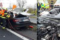 Vážná nehoda na Lounsku: Kamion osobák doslova rozšrotoval, řidič nepřežil