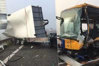 Šest zraněných! U Břeclavi se srazil autobus s dodávkou a osobákem