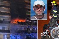 Ohnivé peklo vozíčkářům odstřihlo cestu: Štiplavý dým, dušení a dvě hodiny na balkoně, popsal Roman (54)