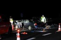 Děsivá nehoda na D5! Srazila se dvě auta, pro vážně zraněné letěl vrtulník