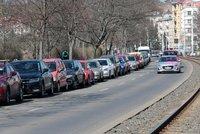 Parkovací zóny v Praze dál neplatí: Město jejich zrušení prodloužilo do 13. dubna