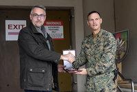 Metnar rozdal českým vojákům v Afghánistánu vánoční dárky. A oznámil novinku