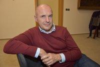 Plzeňský hejtman Bernard má koronavirus: Horečky, bolest svalů a několik testů