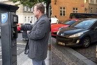 Fialové zóny v Praze 1 zdraží o třetinu. Radnice doufá ve zlepšení dopravní situace