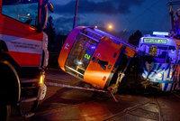 Děsivá srážka tramvají v Liberci: Šokovaný řidič skončil na boku!