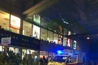 Hádka v metru vygradovala v útok nožem. Napadený muž (40) na Floře málem vykrvácel!