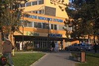 Ve FN Ostrava jsou na koronavirus pozitivní tři lékaři: Zaměstnanci podstupují testy