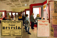 Jak se lákalo do divadla v 18. a 19. století? Národní muzeum odkrývá nejvzácnější české cedule