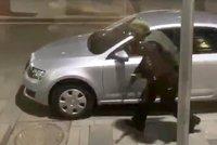 Útočník s kalašnikovem vystřílel čtyři pracovníky ruské tajné služby.