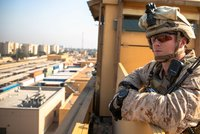 Američtí vojáci pod palbou raket. Základna v Iráku byla terčem útoku, výpady se vyhrocují