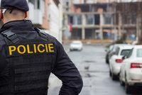 Řidič (38) na Uherskohradišťsku ujížděl policii: Zastavil ho až výstřel do pneumatiky!