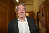 Filip ustál pokus o odvolání a zůstává v čele KSČM. Komunisté řeší i kandidátky pro volby