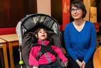 Bohdanka (6) má od narození poškozený mozek, dvojče je zdravé. Jak to zvládá máma?