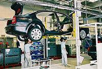 Dopady celní války mezi USA a EU může pocítit i český autoprůmysl. Bojí se i oceláři