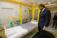 Koronavirus ONLINE: Nákaza v Česku? Ministr zdravotnictví svolal mimořádnou tiskovku