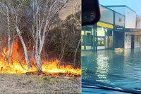Oheň vystřídala sprcha. Sydney sužují nejhorší deště za 30 let, hasiči se radují